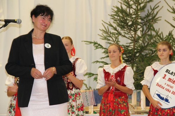 Ivica Súkeníková počas preberania ocenenia.