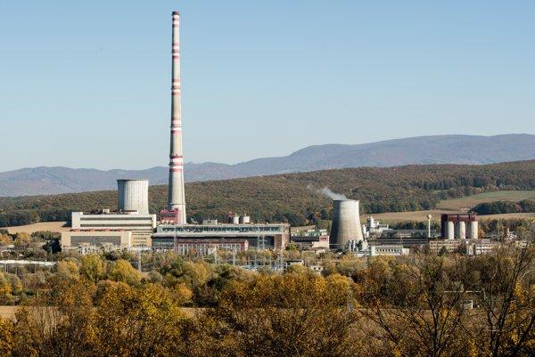 Elektráreň v Novákoch, ktorá spaľuje uhlie.