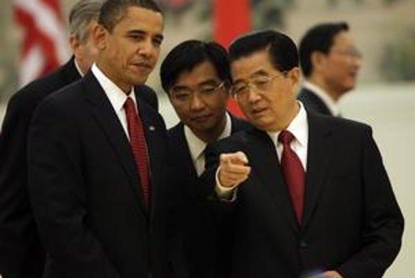 Chu Ťin-tchao (vpravo) privítal Obamu v Ćíne na jeseň roku 2009.