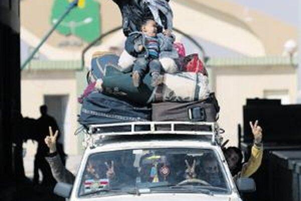 Na hraniciach s Egyptom mnohí oslavujú slobodu.