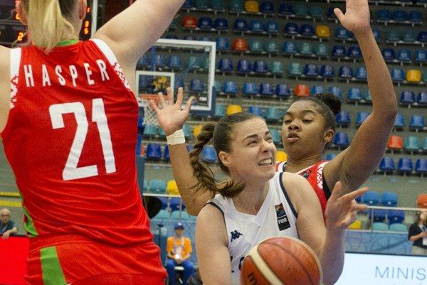 Barbora Bálintová vreprezentačnom drese. Hráčka Good Angels patrila medzi kritikov trénera Svobodu. Pod jeho vedením už hrať nechce.