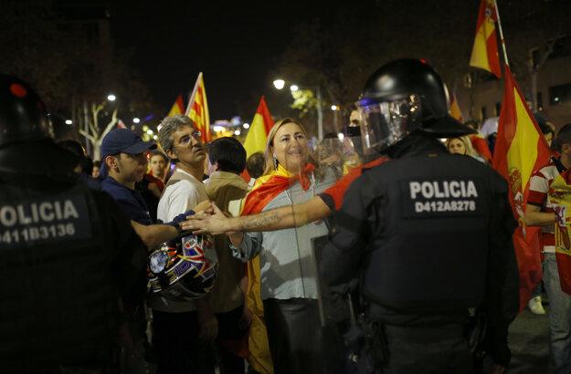 Niektorí obyvatelia Katalánska majú obavy, čo bude nasledovať.