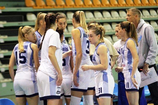 Basketbalistky Nitry sa dočkali prvej výhry v sezóne.