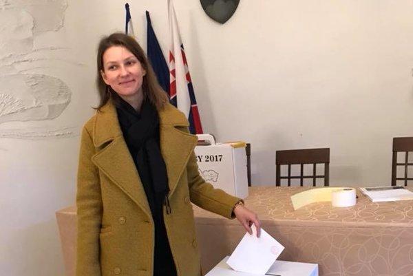 Erika Cintulová získala 8 601 hlasov, zo všetkých kandidátov a kandidátok jednoznačne najviac.