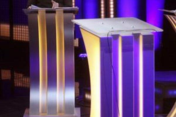 Ukrajinská premiérka Julia Tymošenková rečnila v televíznom dueli bez súpera. Viktor Janukovyč sa konfrontácii s ňou pár dní pred prezidentskými voľbami vyhol.