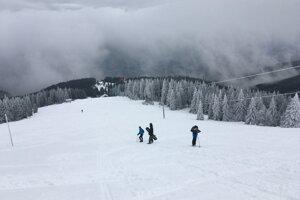 Na holiach sa už lyžovalo