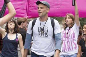 120 tepov za minútu. Zavedie vás do Paríža medzi aktivistov hnutia, bojujúcich za chorých na AIDS.