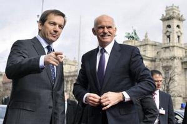 Gordon Bajnai víta gréckeho premíéra v Budapešti.