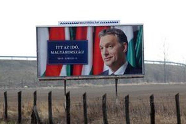 Viktor Orbán sa už pripravuje na prevzatie moci. Voličov však varuje, že ich nečakajú medové týždne.
