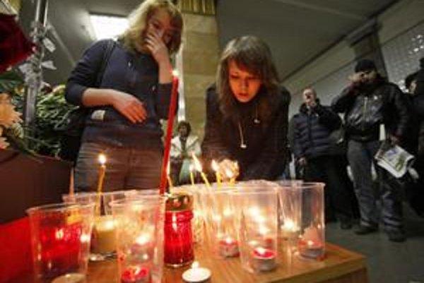 Moskovčania včera smútili za obeťami pondelkových teroristických útokov.