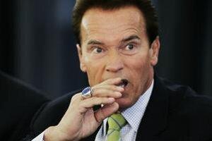 Arnold Schwarzenegger sa preslávil najmä ako herec. Hral viacero akčných postáv vrátane legendárneho Terminátora.