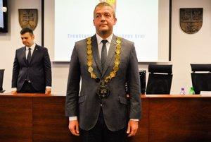 Staronový predseda TSK Jaroslav Baška počas ustanovujúceho zasadnutia novozvoleného Zastupiteľstva Trenčianskeho samosprávneho kraja (TSK). Trenčín, 13. november 2017.