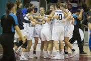 Radosť hráčok Slovenska po kvalifikačnom zápase na ME 2019 v basketbale žien Slovensko - Island v Ružomberku.