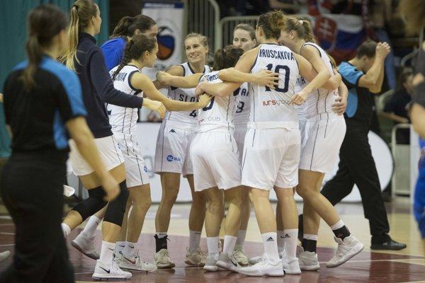 Slovenské basketbalistky sa tešili z výhry nad Islandom.