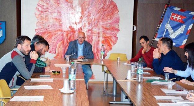 Zástupcovia jednotlivých ZŠ sa stretli na mestskom úrade.