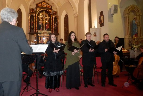 Koncert Santa Caecilia II. sa 19. novembra konal už v kostole v Nových Zámkoch.