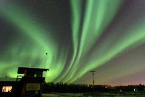 Polárna žiara (aurora borealis) nad aljašským mestom Fairbanks, 30. septembra 2006.
