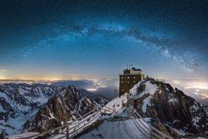 Príroda - 3. miesto: Pavol Novák – Na streche  (Lomnický štít)