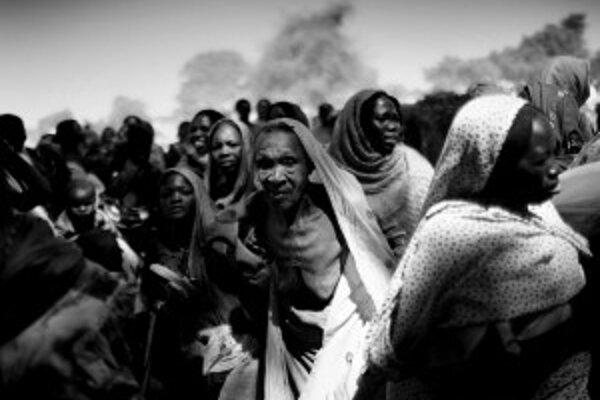 Utečenci z Darfúru na sudánsko-čadskej hranici.