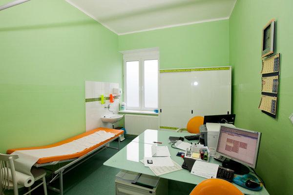 Priestory pre zamestnancov zrekonštruovali  teraz sa rozbehne úprava pacientskych izieb.