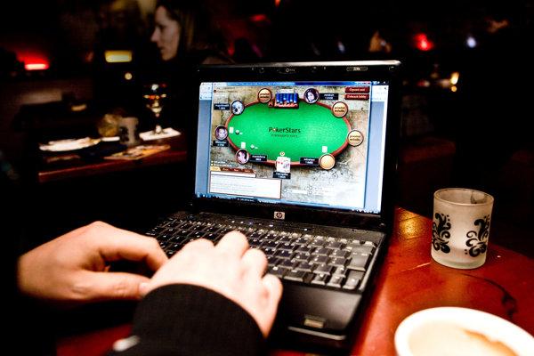 V súčasnosti môže prevádzkovať online hazard len štátna spoločnosť Tipos.