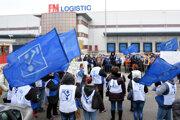 Ak bude potrebné, pôjdeme do ostrého štrajku, vravia zamestnanci.