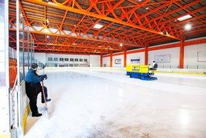 Hokejisti žiadajú preveriť činnosť správcu štadióna.