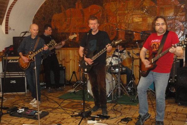 Nitrianska kapela Divá zver vystúpi 16. decembra v klube u Frankieho.