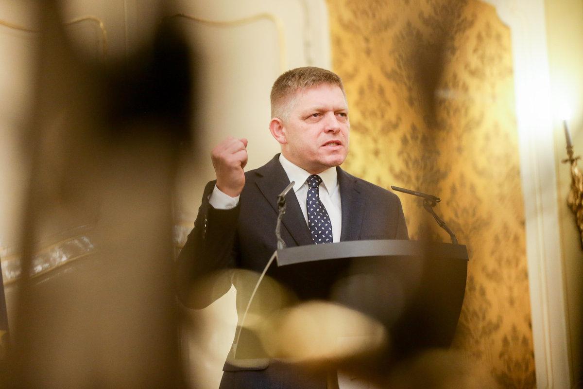 Fico vyzval Kisku, aby ukázal daňové doklady jeho firmy - domov.sme.sk
