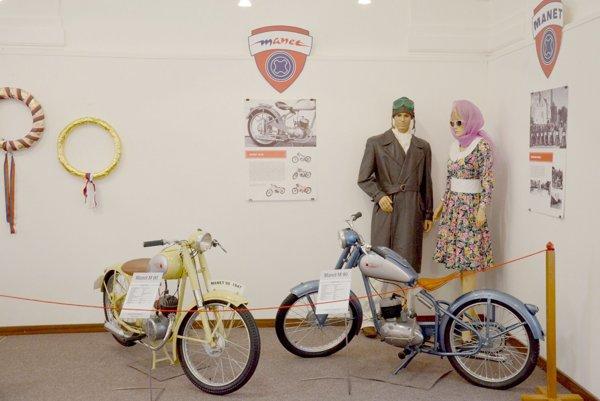 Retro výstava je otvorená v Tekovskom múzeu.