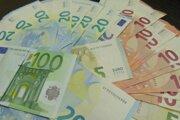 Senior prišiel o 3650 eur.