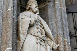 Štefan bez palca. Vandal sa pobavil. A vzácna socha na chráme si to odniesla.