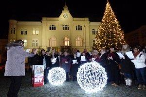 Podujatie sa konalo 18. decembra 2017 o 18. hodine na Námestí hrdinov a v ďalších 27 mestách Slovenska.