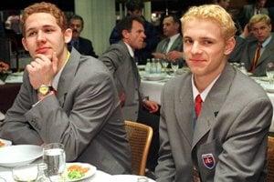 Prvá slovenská hokejová medaila z majstrovstiev sveta, získali ju hráči do 20 rokov vo Winnipegu. V tíme boli aj Ján Lašák či Marián Gáborík.