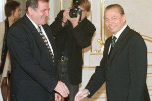 Prezident SR Rudolf Schuster prijal 11. novembra 1999 v Prezidentskom paláci v Bratislave predsedu Hnutia za demokratické Slovensko Vladimíra Mečiara na jeho vlastnú žiadosť.