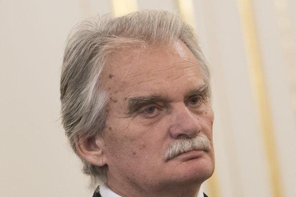 Prezident Andrej Kiska vymenoval troch ústavných sudcov.