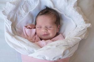 Klára Mierna (2660 g, 47 cm) sa narodila 12. decembra Kataríne  a Marcelovi z Nemšovej. Doma ju čakajú dve sestričky dvanásťročná Alžbetka a desaťročná Barborka.