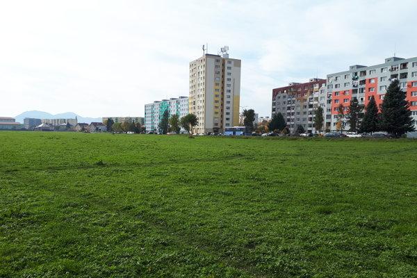 V tejto lokalite plánuje investor postaviť stovky bytov.