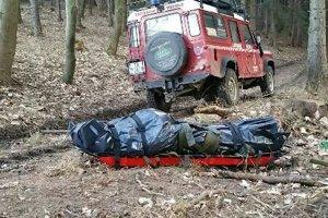Telo nebohého transportovali horskí zachranári.