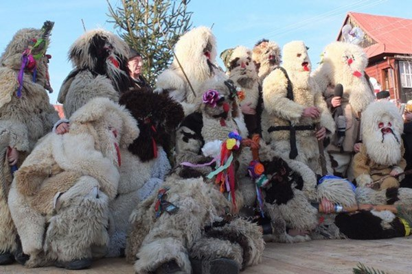 Pastierske hry vianočné v Lome nad Rimavicou.