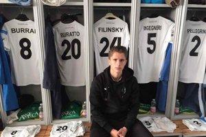 Dávid Filinský v šatni svojho klubu.