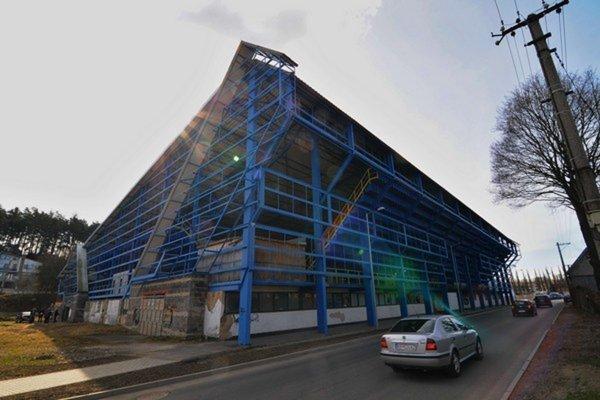 V Kežmarku by mali dokončiť aj prestavbu zimného štadióna.