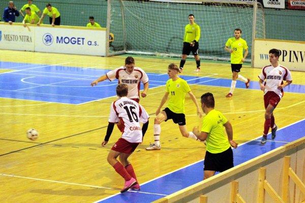V poslednom zápase turnaja stačila Alekšinciam k triumfu remíza. Janíkovce skončili strieborné.