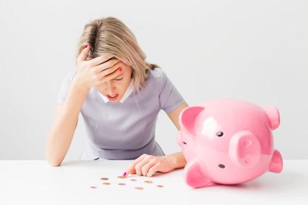 Spotrebný úver bude od Nového roka ťažšie dostupný.