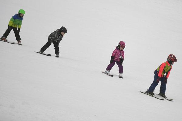 Strediská sneh majú, počasie však veľmi neláka. Zmení sa to od piatku?