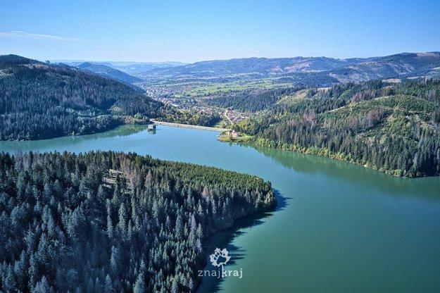 Vodná nádrž Nová Bystrica - pohľad na priehradu