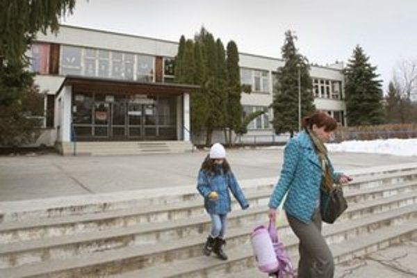 Základná škola Jána Bakossa.
