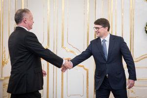 Prezident Kiska a minister Marek Maďarič.