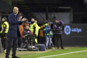 Tréner Realu Madrid Zinedine Zidane volá po väčšej podpore.