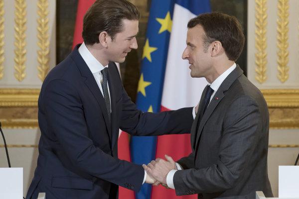 Francúzsky prezident Emmanuel Macron prijal v Elyzejskom paláci rakúskeho spolkového kancelára Sebastiana Kurza.
